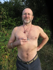 IMG_0995 (griffpops_deptford) Tags: cobham shirtlessmen menwithbeards kentchurches