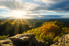 This is how autumn should looks like =) (Philipp Zieger - www.philippzieger-photographie.de) Tags: abenteuer adventure hiking clouds wolken carolafelsen a6000 sony forest wald sun sonne autumn saxonyswitzerland landscape landschaft schsischeschweiz stephanwiesner elbsandstein herbst elbsandsteingebirge wetter