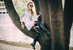 Karoline in ACQUO Boots (PhotographerJockeFransson) Tags: latex boots rubber fashion portrait overkneeboots overknee