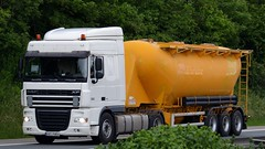 D - Sießmair DAF XF 105 SC (BonsaiTruck) Tags: langendorf siesmair märker daf xf 105 lkw lastwagen lastzug silozug truck trucks lorry lorries camion silo bulk citerne powdertank