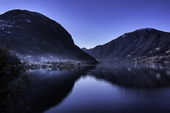 The lake of Lugano at twilight. (Massetti Fabrizio) Tags: lugano svizzera italia italy landscape landscapes lake fog blu twilight mountain mount