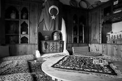 Indoor Ottoman style, Turquey (mafate69) Tags: asia asie turkey turquie indoor intrieur nb noiretblanc mafate69 blackandwhyte bw documentaire documentary reportage ottoman turc room photojournalisme photoreportage photojournalism egirdir