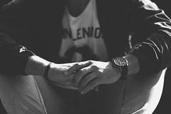 Jos ngel 2.0. // 09 (Lt. Sweeney) Tags: black white blanco negro bn bw monocromtico monochrome monocromo sincolor sinflash exterior luz light contraste luzambiental luznatural encuadre framing frame horizontal encuadrehorizontal faceless planodetalle canon photograph photo adobephotoshopcs6 edicin procesado manos mains hands