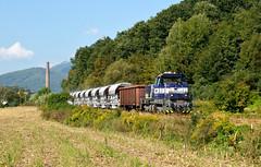 "746.011-6 (""SAPPHIRE"") Tags: freight outdoor hill landscape rail road railroad locomotive mašina vlak train 7460116 746011 746 mn diesel vápenka calmit faccs 83361 slovakia vehicle hnúšťa field grassland"