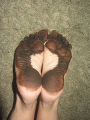 IMG_0009 (Elizabeth Townsend) Tags: dirty feet soles filthy black gre oily female