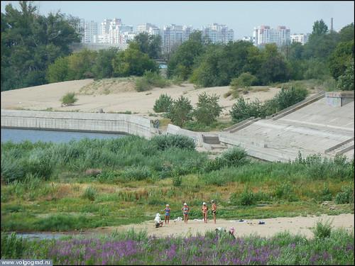 Город Волгоград: летний пляжный сезон- в разгоре/ photo_2012_8_25_7_21_25