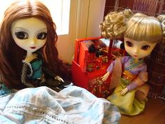 Maya y Stela (El contrato) 18 (Lunalila1) Tags: outfit doll track maya iii lewis doctor wig groove pullip 16 ho kuro mir stela stica