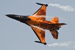_MG_9625 (Pete Hemsley) Tags: orange vortex holland dutch speed demo stitch aircraft air lion fast f16 falcon gforce stephan vapour highspeed rnaf
