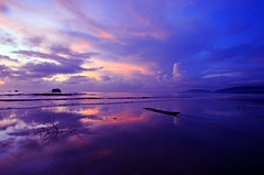 colours of sunrise (achem74) Tags: trip travel sun beach sunrise canon reflections eos shorelines seascapes places malaysia tamron kuantan pahang cloudscapes beserah tamronwideangle balok tamron1024mm tamronspaf1024mmf3545diii canoneos550d eos550d rebelt2i kissx4