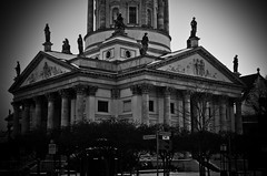 Como pajaros (greatkithain) Tags: bw berlin byn flickr pentax bn estatuas alemania marzo 2013 dzoom flickrstars flickraward bestofbw flickrestrellas pentaxart naturpixel mygearandme ringexcellence pentaxawards k5pentaxians