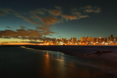 Coney Island en soledad (karinavera) Tags: street nyc longexposure light sunset sea panorama usa newyork reflection beach water skyline brooklyn night island photography lights photo reflex cityscape atlantic explore bigapple attractions nikond3200 pwpartlycloudy
