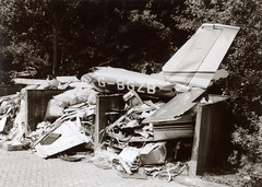 G-BGZB Cessna F.177RG @ Groningen-Eelde 29-May-1981 by Johan Hetebrij (Balloony Dutchman) Tags: airport cardinal crash 1981 groningen wreck cessna 177 eelde f177rg gbgzb phrdo