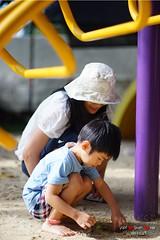 DSC00756 (Shun Daddy) Tags: life travel family summer portrait thailand prime kid child pentax sony snapshot fullframe alpha f18  phuket limited  ff a7 fa       77mm  2013  fa77 fa77mmf18 mirrorless smcpfa77mmf18