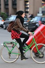 Hivern, en bici per Barcelona (Bart Omeu) Tags: barcelona bike bicycle bcn bicicleta bici bicing gentnormal bicibcn changeyouliferideabike gentbicibcn