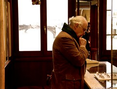 IMG_6986 (Yarin del Vecchio) Tags: old bridge man florence ring ponte thinking earrings jewelery vecchio indecision deciding