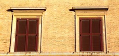 ROMA WINDOWS SHUTTERS (patrick555666751) Tags: roma windows shutters volets fenetre finestre ventana italy italia italie europa lazio latium romawindowsshutters dwwg flickr heart group rome