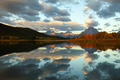 Oxbow Bend in the Fall, Grand Teton National Park (Bryan Carnathan) Tags: oxbowbend grandtetonnationalpark mountmoran moran wyoming snakeriver mountain mountains mountainscape mountainpeak peak clouds outdoor outdoorphotography nature naturephotography naturelovers landscape landscapephotography scenery river reflection beautifuldestinations beautifulplace nationalpark usa unitedstates sunrise dawn morning sunrisephotography fall peaceful striking beautiful bryancarnathan canon canonusa eos 5div 5dmarkiv canon5dmarkiv canoneos5dmarkiv canonef2470mmf28liiusmlens gitzo arcaswiss gtnp