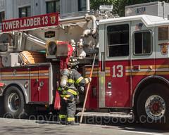 FDNY Tower Ladder 13, Upper East Side, New York City (jag9889) Tags: firefighter jag9889 usa ladder uppereastside manhattan newyorkcity newyork 20160922 2016 fifthavenue outdoor fdny 5thavenue apparatus bravest firedepartment firedepartmentofthecityofnewyork firefighters firstresponder hook laddertruck ny nyc newyorkcityfiredepartment newyorksbravest truck ues unitedstates unitedstatesofamerica vehicle us
