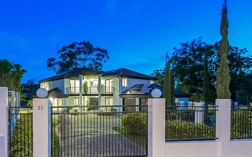 37 Margaret Court, Kenmore Qld 4069