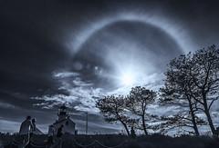 In to the Hope - Sun Halo (Eunice Eunjin Oh) Tags: sunhalo sun halo daytime light outdoor sandiego earthsatmosphere solarhalo earth intothehope hope earthsky
