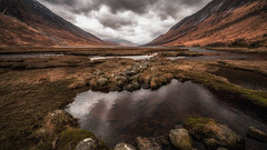 Captivating (Einir Wyn) Tags: scottishhighlands scotland scenic landscape light lake clouds color colour reflection uk britain outdoor rugged rockface rocks mountainside mountain loch glenetive