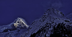 DSC_4468a-EditFAA (john.cote58) Tags: seasons winter snow landscape cold mountains switzerland france europe alps swiss french interiordesign design theme ski skiing vacation standout outside outdoors peaks clouds steep sky blue sharp detail spotlight shade