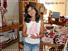 Anna Vitria e sua boneca Tilda feita aqui no nosso ateli.. (loja segredo da arte) Tags: boneca patchwork tilda