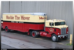 """Kenworth COE Bullnose """"North American Van Lines / Makie the Mover"""" (uslovig) Tags: old canada colour lines truck moving furniture alt cab north over engine lorry camion american trailer van 1950 coe mover aero kanada lastwagen kenworth lkw makie bullnose farbgebung fruehauf möbelkoffer"""
