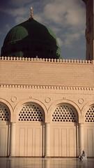 Di bawah Kubah Hijau 2 (kamalazlan) Tags: islam mosque saudiarabia masjid madinah masjidnabawi masjidnabi kamalazlan flickrandroidapp:filter=none almasjidalnabawi