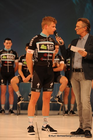 EFC-Omega Pharma-QuickStep Cycling Team   (98) (Small)