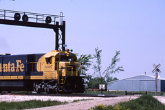 Santa Fe C30-7 #8097 somewhere in eastern Missouri on 5/18/84 (LE_Irvin) Tags: santafe c307