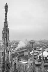 sguardi fra le guglie #2 (giorgio-pix) Tags: rain smoke duomo spiers