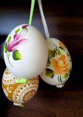 Hand painted (diffuse) Tags: 3 painted egg decoration eggs hanging magyar 114 hungarian 14apr13 114picturesin2014