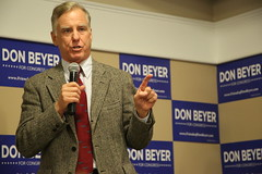 """Howard Dean Rally • <a style=""""font-size:0.8em;"""" href=""""http://www.flickr.com/photos/117301827@N08/14253621273/"""" target=""""_blank"""">View on Flickr</a>"""