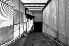Tor zur Garagenhölle (RadarO´Reilly) Tags: street bw blackwhite garage hell sw hölle schwarzweis strase