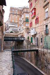 Trig IL-Lvant (RunningRalph) Tags: bridge brug malta straat street valetta ilbeltvalletta