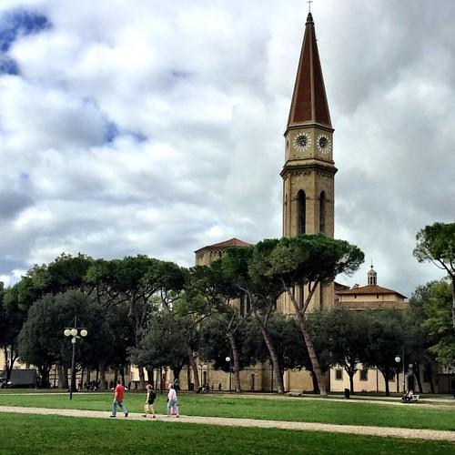 {ancient skyscraper} #assembleaigersitalia2016      #socialmiele #socialmieleintour #arezzo #igersarezzo #toscana   #igerstoscana  #discovertuscany #tuscany   #visittuscany #towerbell #campanile #campanili #iwanttobeinvaded   #italymagazine #autumn4igers