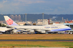 B-18215 () Tags: ci rctp tpe b18215 boeing chinaairlines airplane airport 747400 747409 cal
