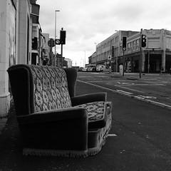 Dodrefn y stryd / Street furniture - Blackpool (Rhisiart Hincks) Tags: blackpool sirgaerhirfryn fyldecoast lancashire lloegr powsows england ewrop europe eu ue sasana brosaoz ingalaterra angleterre inghilterra anglaterra 英国 angletèrra sasainn انجلتــرا anglie ngilandi fylde holidayresort cyrchfangwyliau duagwyn gwennhadu dubhagusgeal dubhagusbán zuribeltz czarnobiałe blancinegre blancetnoir blancoynegro blackandwhite اسودوابيض، bw feketefehér melnsunbalts juodairbalta negrușialb siyahvebeyaz črnoinbelo черноеибелое чорнийібілий 黒と白 黑与白,zwartenwit mustajavalkoinen crnoibelo černáabílá schwarzundweis treflun townscape gweledvakêr paysageurbain paisajeurbano stadtbild городскойпейзаж міськийпейзаж kaupunkikuvaan pilsētasainava miestovaizdis obrazměsta stadsbeeld 市容 都市の風景 peisajuluiurban