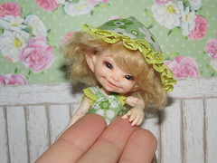 IMG_6214 (cat-soft paws) Tags: smile laughter    soso sundress panama hat lace green summer outfit bracelet shoes           realpuki handmade
