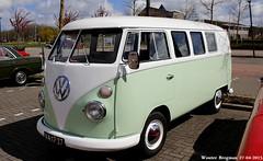 "VA-17-27 Volkswagen Transporter kombi 1965 • <a style=""font-size:0.8em;"" href=""http://www.flickr.com/photos/33170035@N02/31177813992/"" target=""_blank"">View on Flickr</a>"