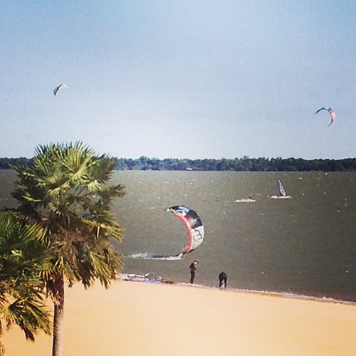 Kitesurfing in Corrientes