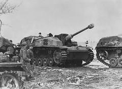 Selbstfahrlafette für Sturmgeschütz 7.5 cm Stu.K. 40 Ausf. F/8 auf Fahrgestell Pz.Kpfw. III Ausf. The oder M (Sd.Kfz. 142/1). Of whom Stuge III StuG III Ausf. F/8 are full of ammunition on the front Mius River in early March 1943.