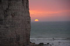 Yport (O!i aus F) Tags: france frankreich sonnenuntergang osm normandie sonne normandy k5 küste felsen felsenküste allxpressus