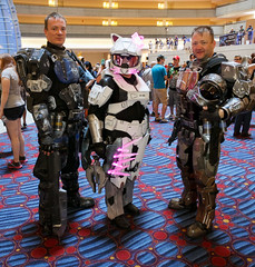 Halo Kitty (Courtarro) Tags: game building hotel cosplay halo event videogame dragoncon marriottmarquis dragoncon2013