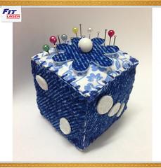 Agulheiro - FL 13 (FIT LASER - SURPREENDA-SE!!) Tags: 2 como de arte flor artesanato laser fuxico decoração fit lazer fazer máquina dado florzinha atelie alfineteiro agulheiro alfinetero