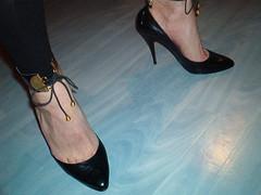 IM006412 (grandmacaon) Tags: highheels lowcut hautstalons lowcutshoes