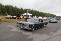 Lincoln 1966 (Drontfarmaren) Tags: pictures summer classic car 30 vintage gallery power sweden cruising 1966 american lincoln end coverage aug meet bilder emmaboda galleri 2013 drontfarmaren