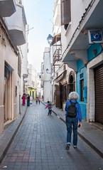 Ruelle de l'ancienne Medina (jfgornet) Tags: maroc medina ruelle passante mg7493