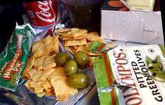 photo - Tapas Box for Purchase, United Airlines (Jassy-50) Tags: photo unitedairlines united airline ua tapas tapasbox airlinefood food olives chips hummus cocacola coke bermudanyc2014 olive